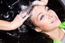 Как смыть краску с волос мылом