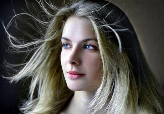 Что делать если волосы магнитятся зимой в домашних условиях