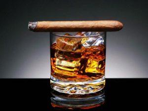 Частое применение алкоголя и никотина