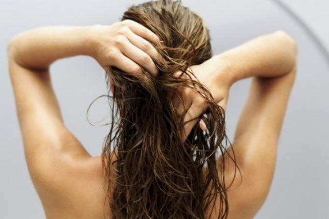 ПРИЧИНЫ жирности волос