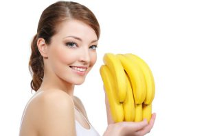 Применение целебных свойств бананов для волос