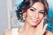 Свадебная прическа в греческом стиле смотрится натурально и нежно