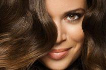 объем волосам можно придать с помощью фена и расчески