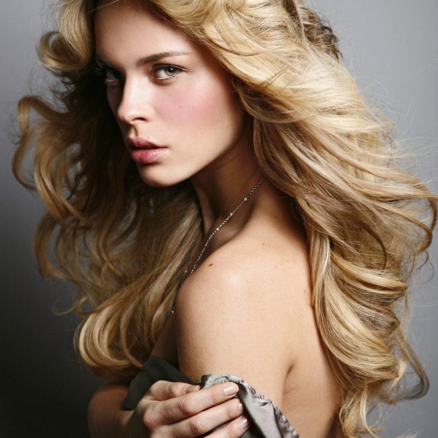 Объем на волосах