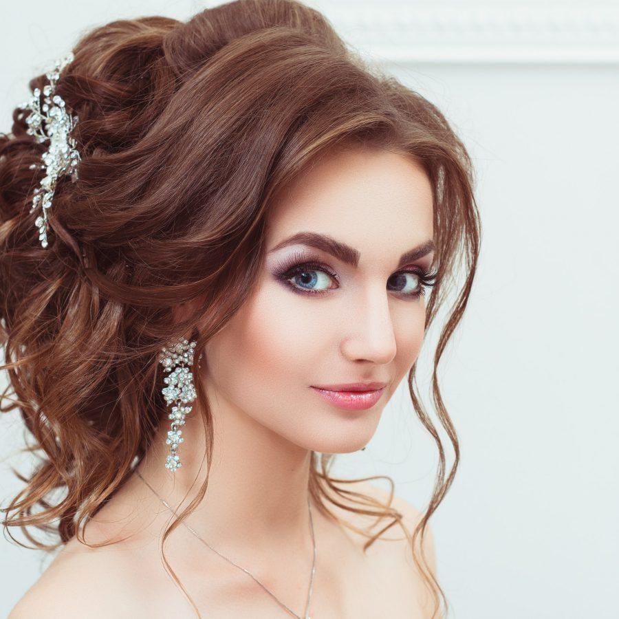 Прическа на тонкие волосы