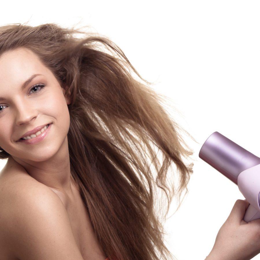 Выпрямлее волос феном