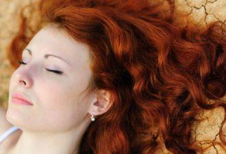 Использование хны полезно для волос благодаря питательным компонентам