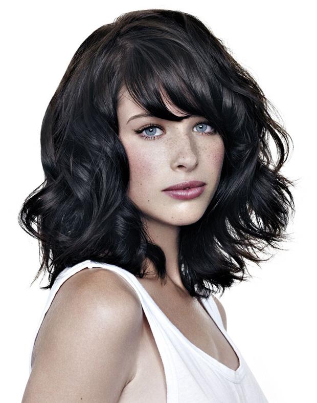 «каскад» на средние волосы с челкой