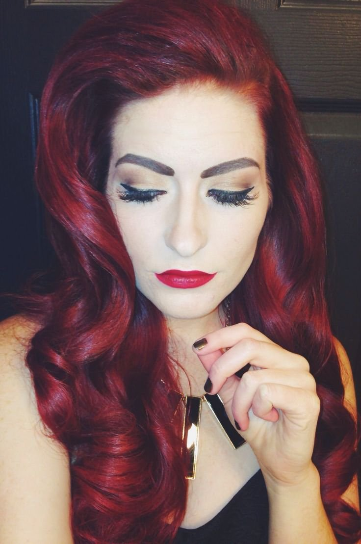 Светлый цвет волос бордовый