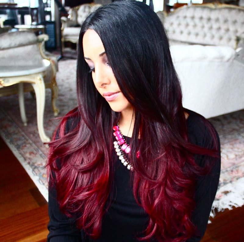 Черные волосы с красными прядями фото