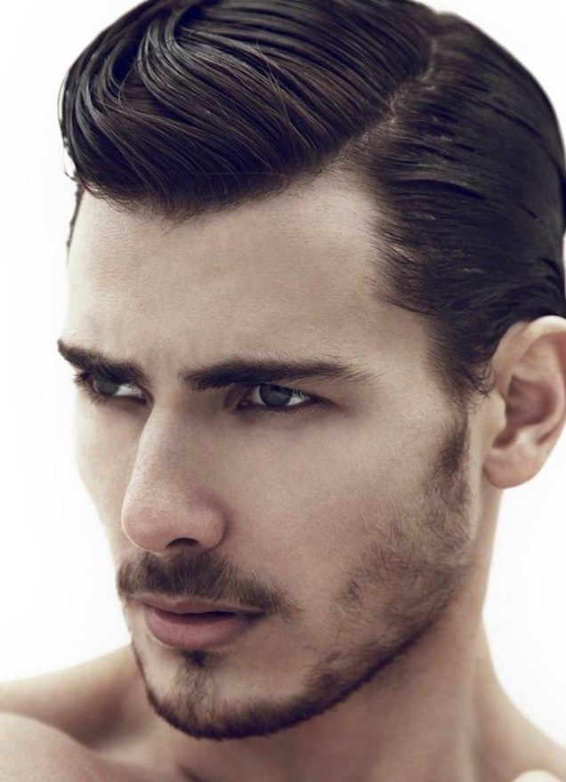 Прически на средние волосы у мужчин с челкой