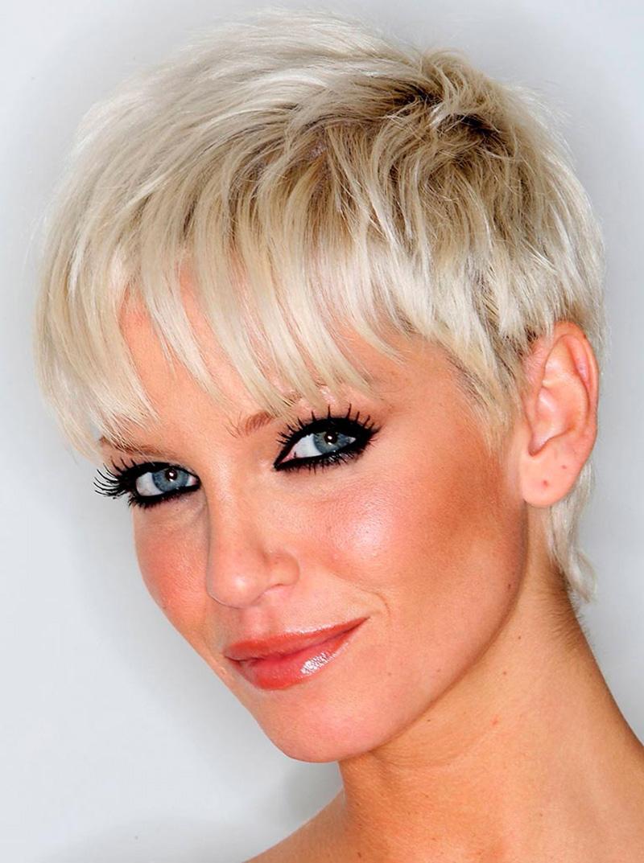Фото короткая стрижка для девушки с редкими волосами