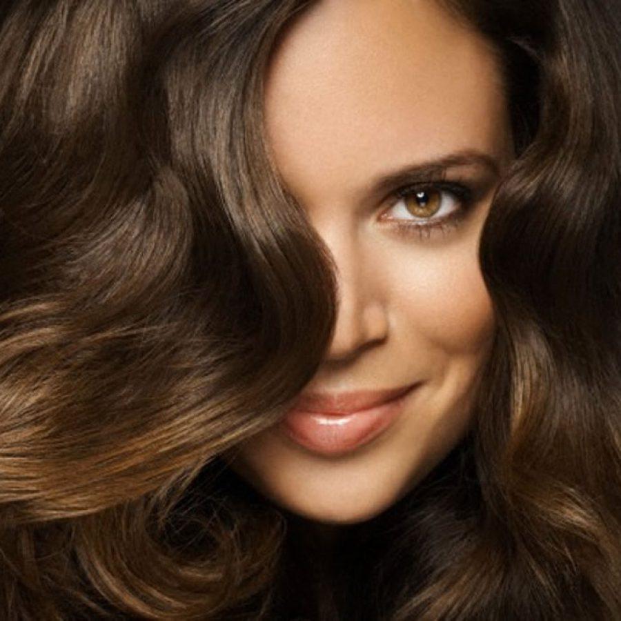 для ухоженных волос рекомендуют масла, например, касторка