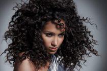 Чтобы полученная укладка была опрятна и долго сохранилась, нужно обеспечить должный уход за волосами