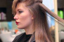 Еще одним эффективным средством для выпрямления волос является утюжок.